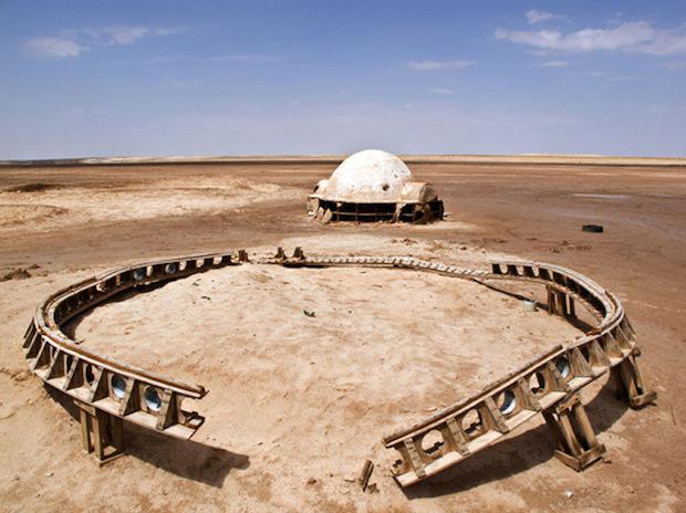 The abandoned Star Wars movie set in Tunisian Desert