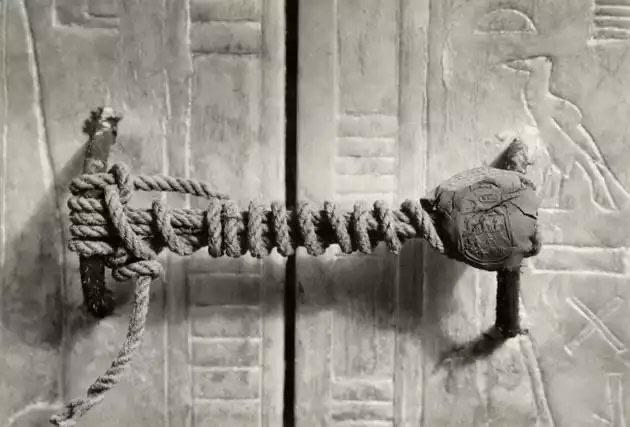 The unbroken seal on Tutankhamun's tomb, untouched for 3,245 years. (1922)
