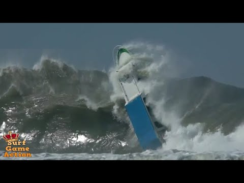 Boats Caught Inside Massive Waves 2 – YouTube