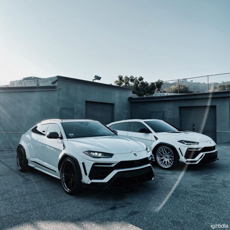 2 Lamborghini Uruses. Urii?
