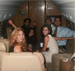 This photo of the cast of F.R.I.E.N.D.S as they flew to Las Vegas before the show aired — their  ...