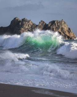 Wave at Porthcurno