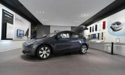 Elon Musk's Tesla lobbied UK to raise tax on petrol and diesel | Tesla | The Guardian