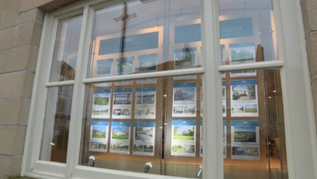 'Close to tears' – letting agent turns away locals for second-time buyers in Cornwall