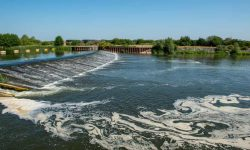 The government is to reject calls to place a legal duty on water companies to reduce raw sewage  ...