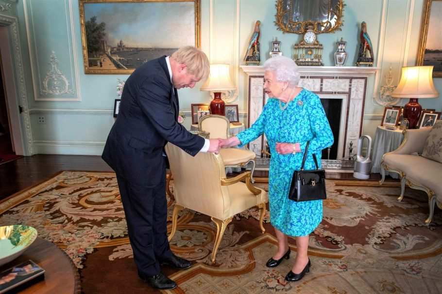 Windfall: Queen Will Be One of the Biggest Beneficiaries of UK's Green Agenda – Byline Times